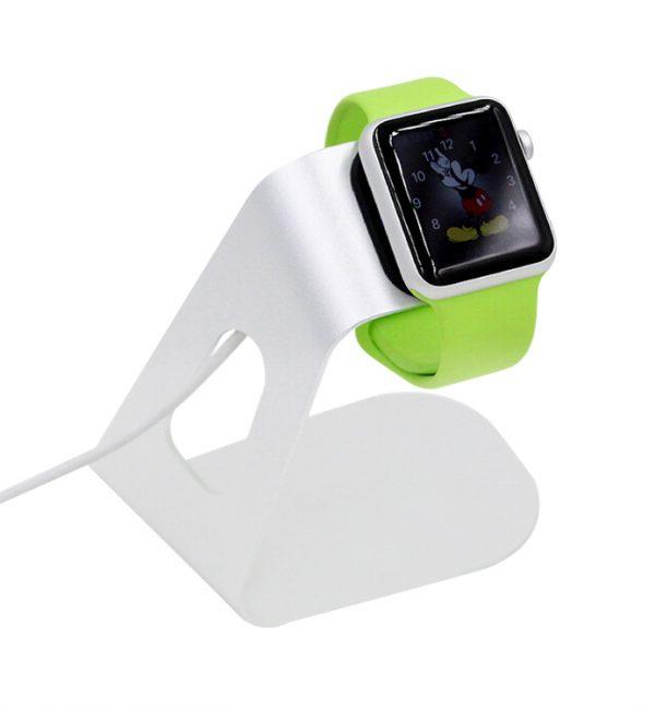 Dokovacia stanica na Apple Watch z hliníka v striebornej farbe (5)