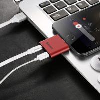 Konektor na slúchadla a nabíjanie BASEUS pre iPhone 7 a 7 Plus, červená farba