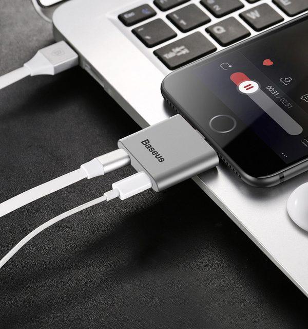 Konektor na slúchadla a nabíjanie BASEUS pre iPhone 7 a 7 Plus, stieborná farba