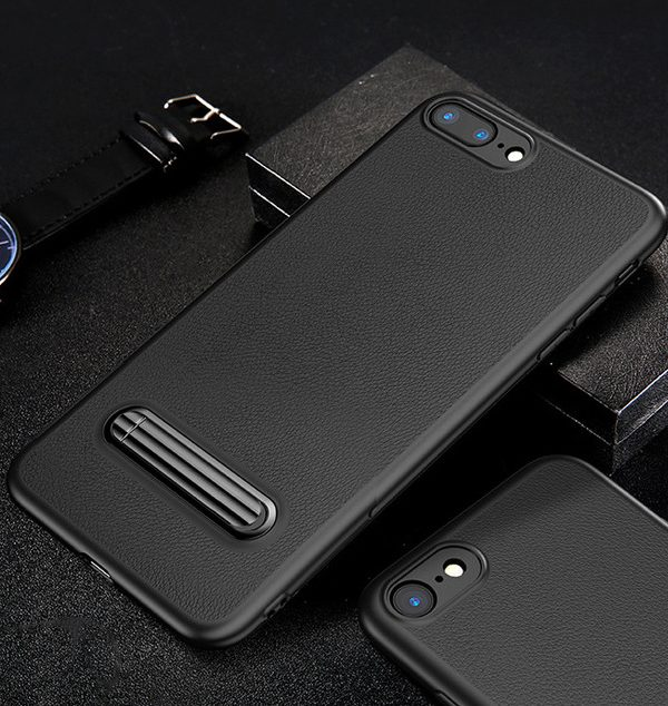 Ochranný kryt + držiak pre iPhone 7 a 8 v čiernej farbe