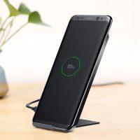 QI bezdrôtová nabíjačka na iPhone X.Pokiaľ máte smartfón, ktorý má túto bezdrôtovú technológiu v sebe (napr. iPhone X), nemusíte zakupovať prijímač (3)