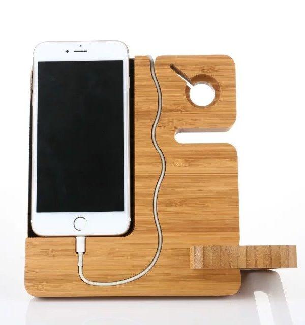 Originálna drevená nabíjacia stanica pre iPhone a Apple Watch