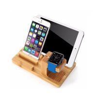 Univerzálna dokovacia stanica na Apple Watch, iPhone, iPad v svetlej farbe