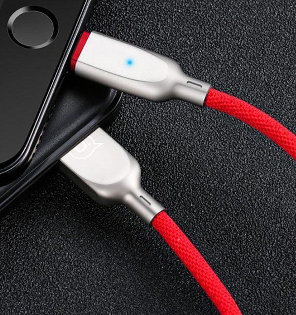 Inteligentný lightning nabíjací kábel, 120cm, textilný v červenej farbe