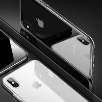 Kryt pre iPhone z kvalitného silikónovéhomateriálu v kombinácií so zadným tvrdeným sklom, ponúka štýlovú ochranu proti každodenným nástrahám, ktorým iPhone XS čelí. (1)