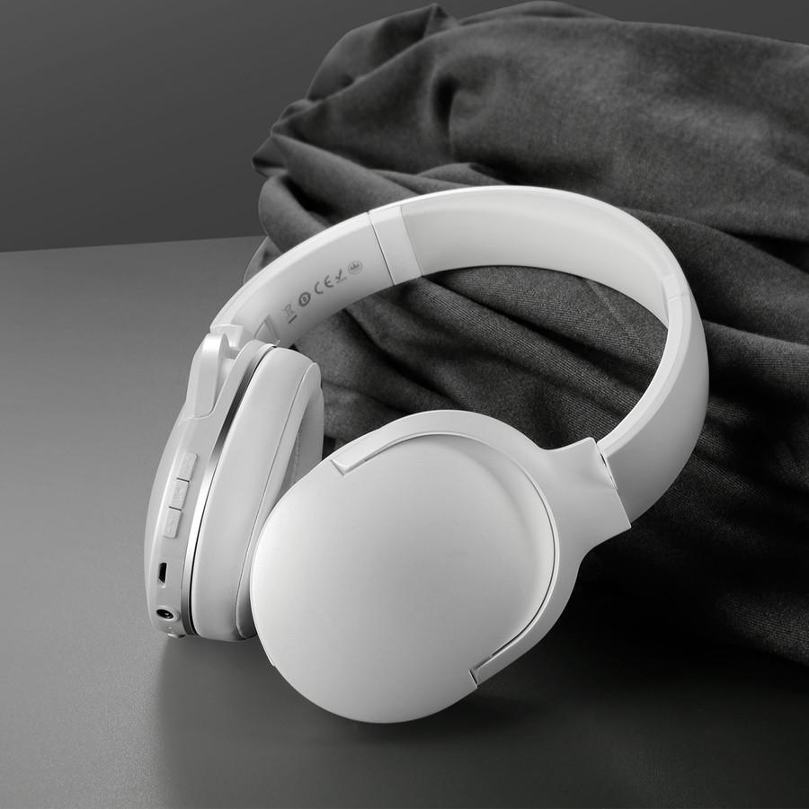 Bezdrôtové bluetooth slúchadlá BASEUS D02 v bielej farbe.