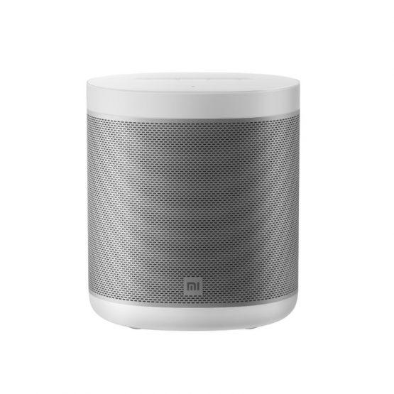 Bezdrôtový reproduktor Xiaomi Mi Smart Speaker. Vyniká fantastickým zvukom s RMS výkonom 12 W, ktorý naplní miestnosť čistými, jasnými a detailnými tónmi. Navyše umožňuje pripojiť ďalší rovnaký reproduktor pre ešte lepší stereofónny zvuk. Pýši sa kovovým telom s dotykovým panelom a LED svetelným prstencom. Kľúčové vlastnosti: Podpora farebného spektra podľa rytmu hudby Zabudovaný Google asistent a chromecast Čistý a plynulý stereo zvuk 2.0 Hlasové ovládanie Xiaomi zariadení ( iba v angličtine) Špecifikácia: Model: L09G Mikrofón: Áno Reproduktor: 12W do všetkých strán Wi-fi: 2.4 / 5 GHz, podpora IEEE 802.11 a/b/g/n/ac protokolov Bluetooth: Áno, 4.2, support A2DP music playback Podpora OS: Android 4.4 a vyšší, iOS 9.0 a vyšší Napájanie: 12V/1.5A CPU: Amlogic A113X 4-jadro A53 RAM: 256 MB ROM: 512 MB Rozmery: 131mm×104mm×151mm Váha: približne 853g Farba: biela Balenie obsahuje: 1x Xiaomi Mi AI Speaker, 1x napájací kábel. 1x návod na použitie